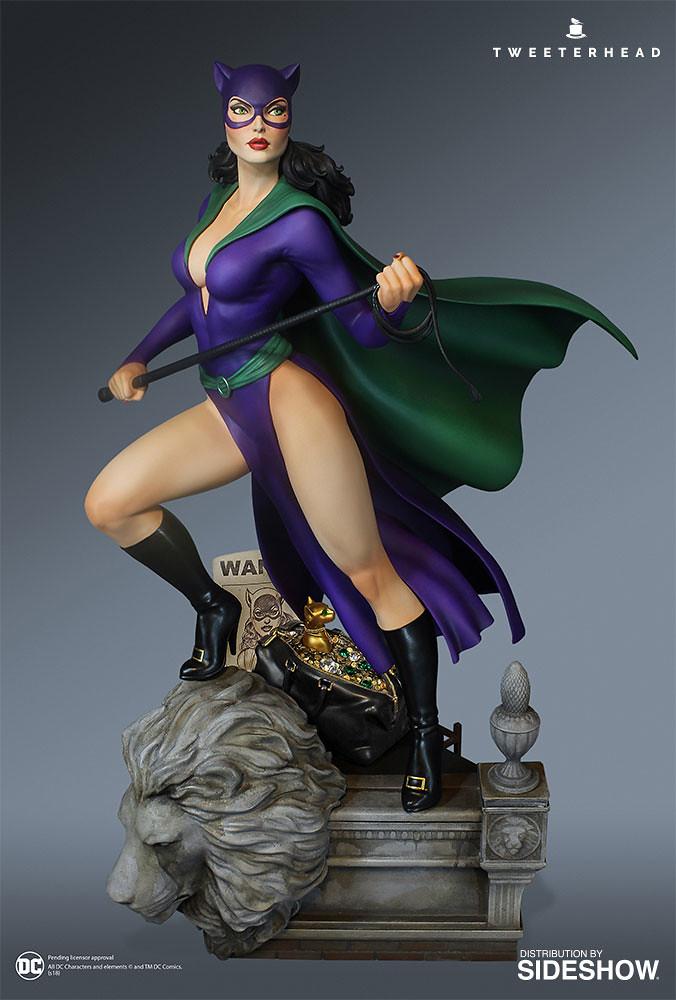 露很大的復古造型!! Tweeterhead Super Powers 系列 DC Comics【貓女】Catwoman 1/6 比例全身雕像作品
