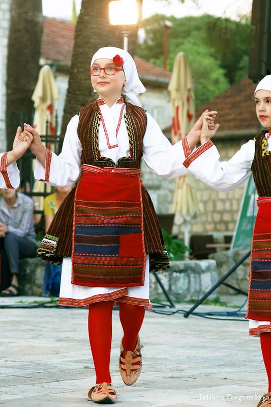Девочка из македонской группы