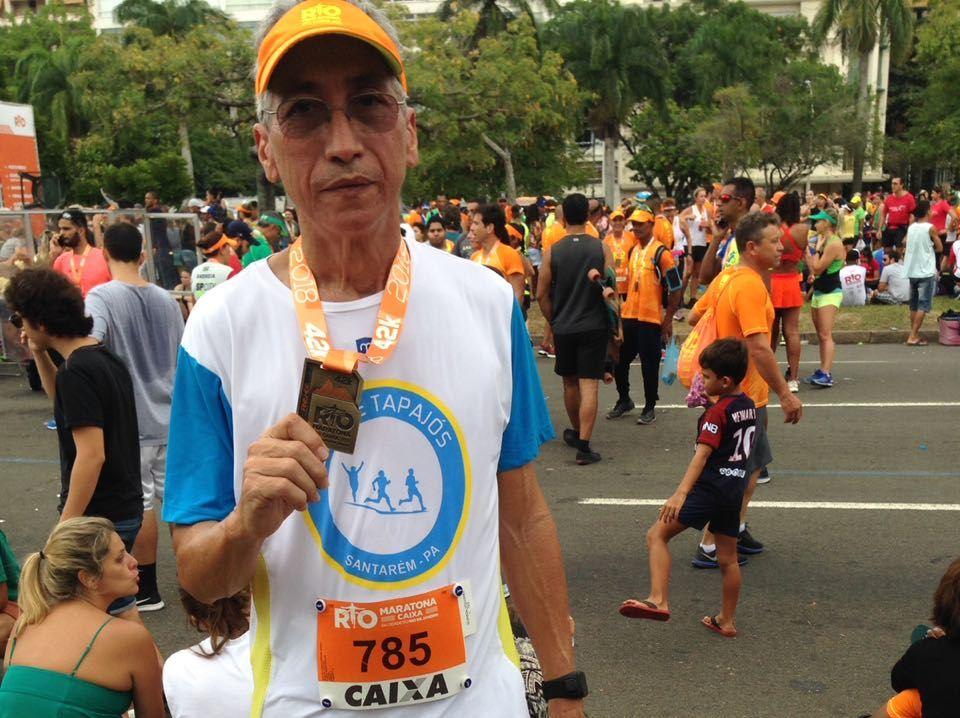 Professor realiza sonho e corre sua primeira maratona aos 62 anos, Professor de 62 anos realiza sonho e corre maratona sua primeira maratona, Carlos Araújo e a sua primeira maratona