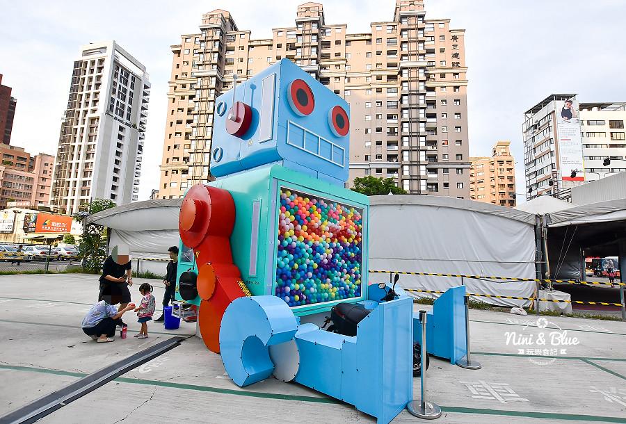 米茲機器人-巨型扭蛋機.台中場04