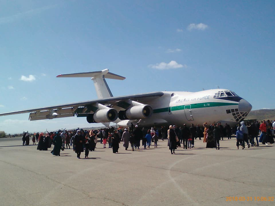 أكبر و أضخم موسوعة صور لطائرات النقل و الشحن الجزائرية AAF- iL 76/ iL 78 - صفحة 37 27580340447_e8ae9168ff_b