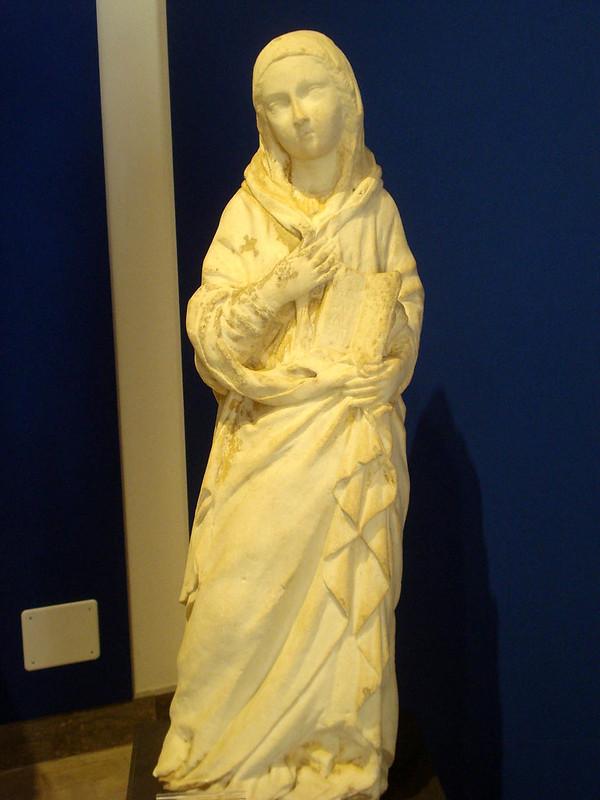 009-гробница Монтаперто (Богородица из Благовещения)