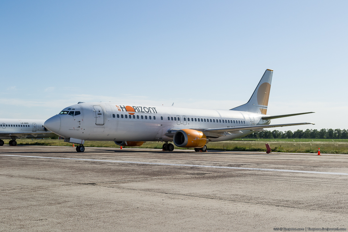 Boeing 737-400 9H-ZAZ Air Horizont