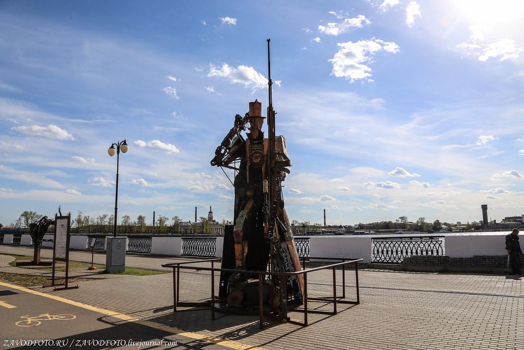 Набережная в Ижевске Скульптура, честь, города, набережной, взять, совсем, рублей, Монумент, Кстати, называется, именно, сейчас, которые, Дудина, называют, здесь, завода, оружейного, открыли, история