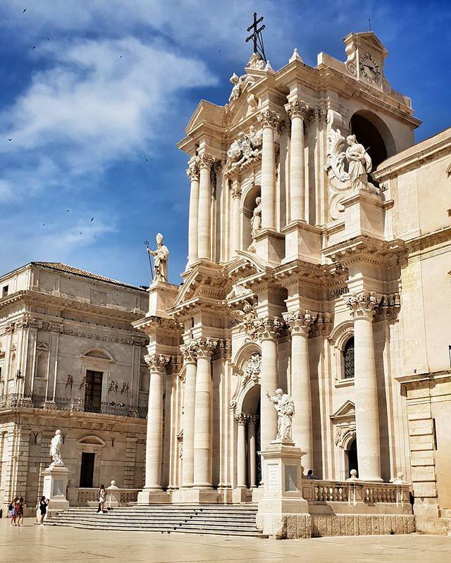 Ortigia #church #cathedral #syracuse #sicily #sicilia #siracusa #travelgram #blue #sky #igers #igersitalia #photooftheday #picoftheday #instagood #instago