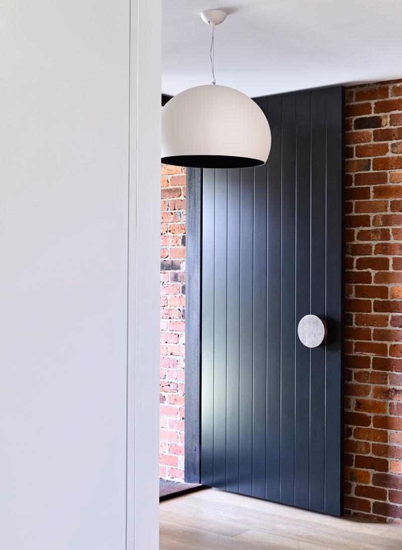Contoh Berbagai Desain Pintu Depan Rumah