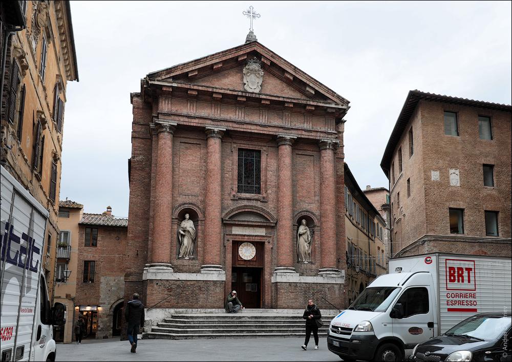 Церковь святого Христофора, Сиена, Италия