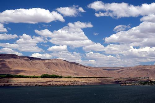 columbiariver oregon washington clouds gimp polarizer