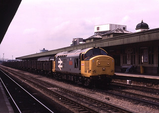 12.06.89 Cardiff Central 37801