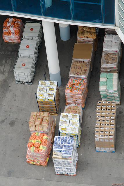 Nourriture pour le bateau de croisière - Norwegian Jade au port de Miami - 5518