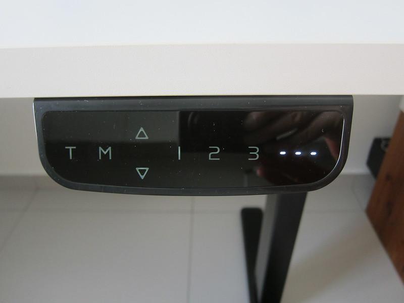 ErgoEdge AmpDesk Standing Desk - Idle Mode