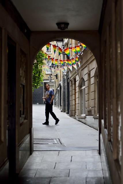 A world through an alleyway