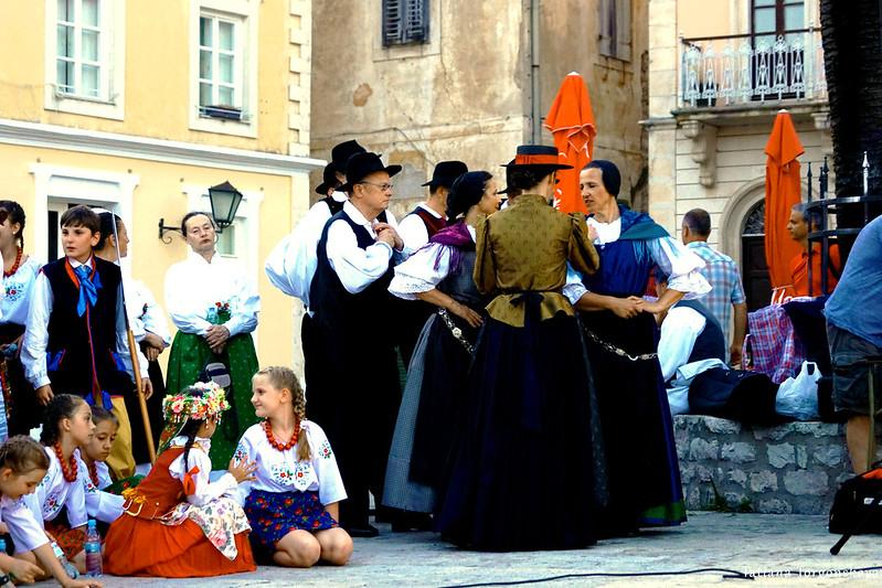Группы из Словении и Польши