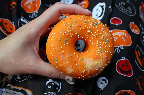 Orange (flavoured) donut