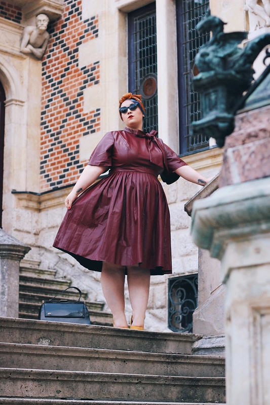 Madame - Big or not to big (1)