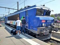 BB 7610 - Photo of Saint-Arnoult-en-Yvelines
