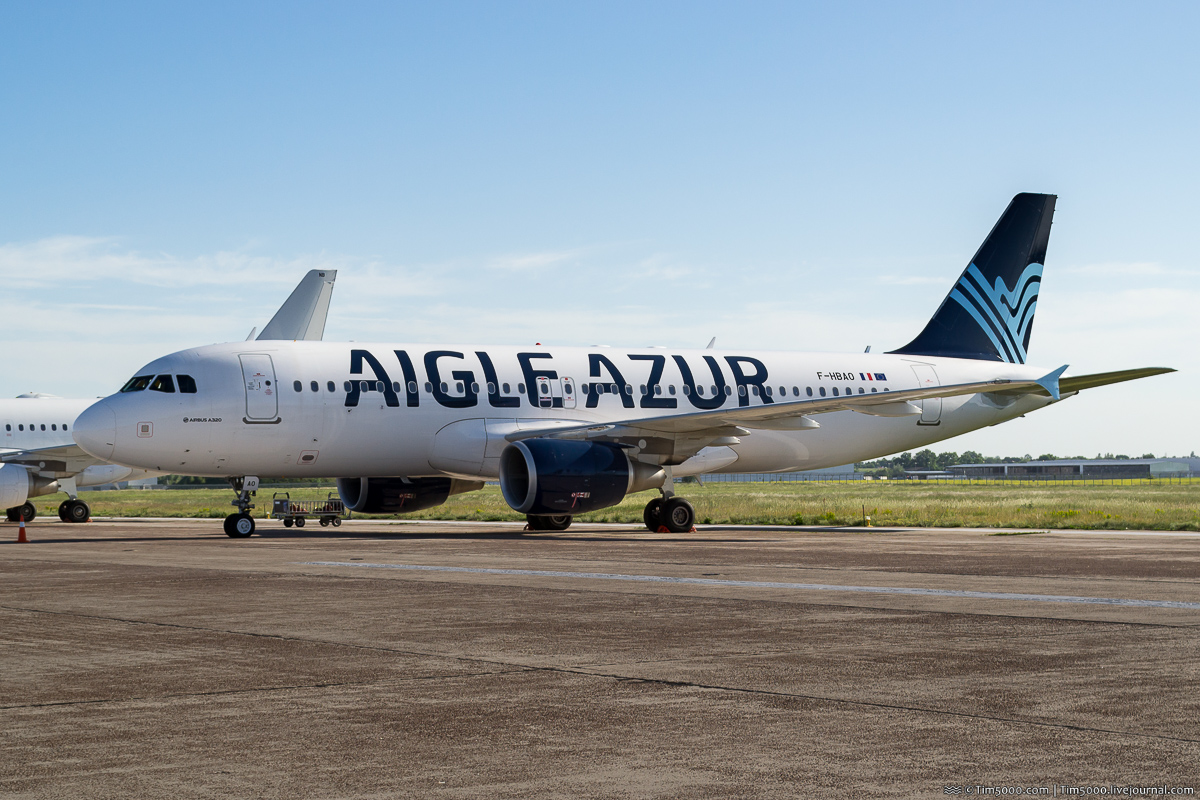 Airbus A320-200 F-HBAO Aigle Azur в Киеве