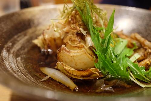 淡路島産玉葱の揚げ浸し deep fried onion whole from Awaji island