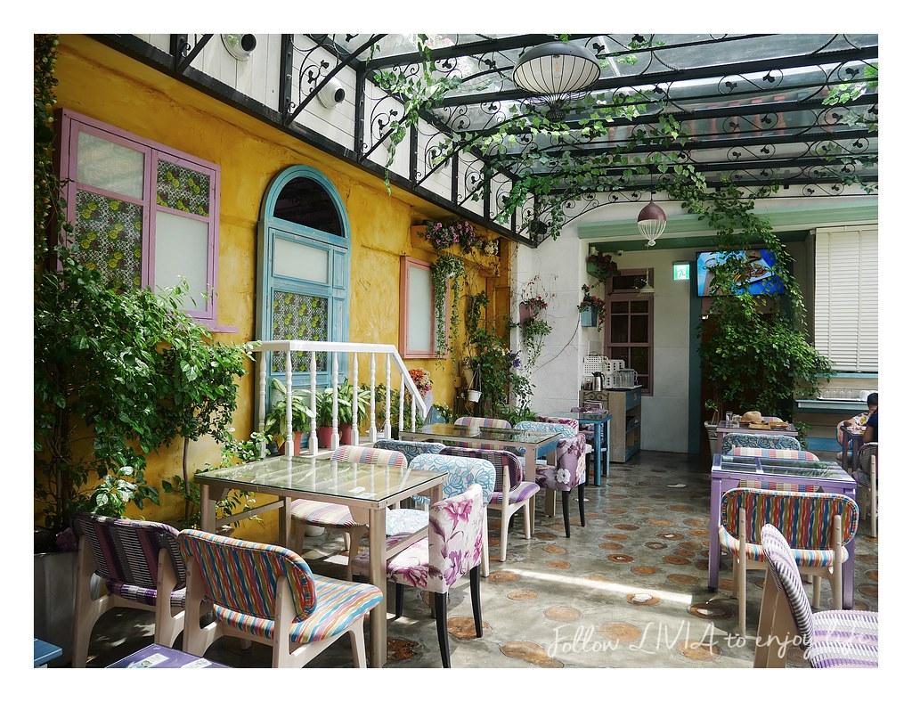 D.G Cafe (2)