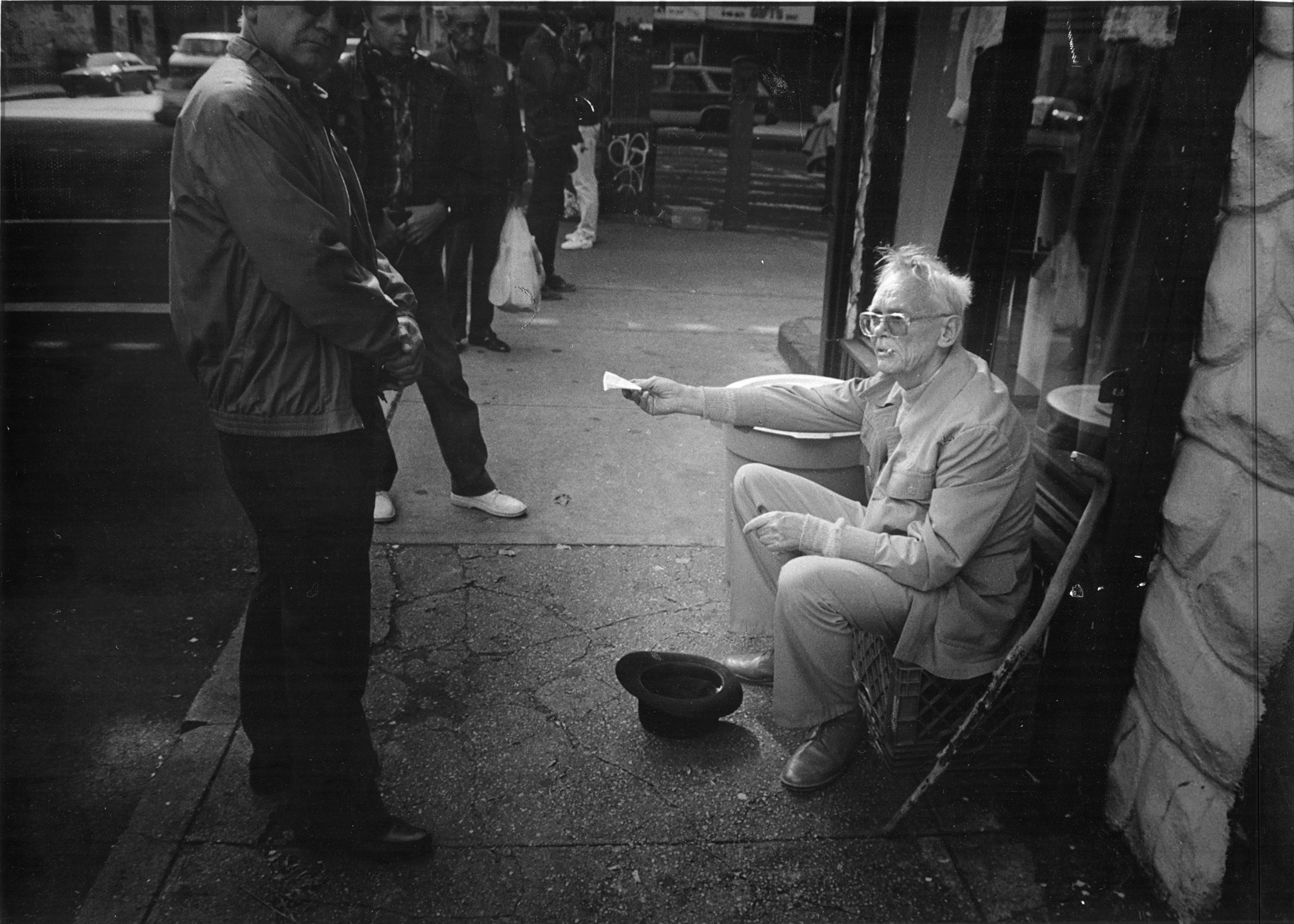 1992. На съемках фильма На Дерибасовской хорошая погода или На Брайтон-Бич опять идут дожди4