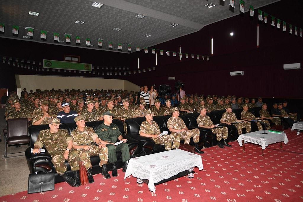 الجزائر : صلاحيات نائب وزير الدفاع الوطني - صفحة 21 41664099244_844c79c6f9_b