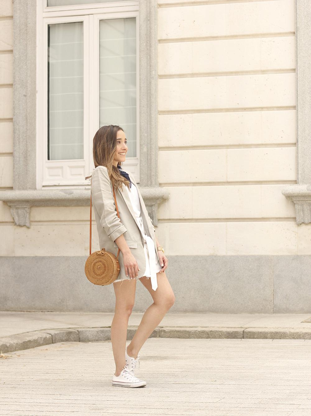 gray linen blazer blue bandana white converse bamboo bag street style oufit 201804
