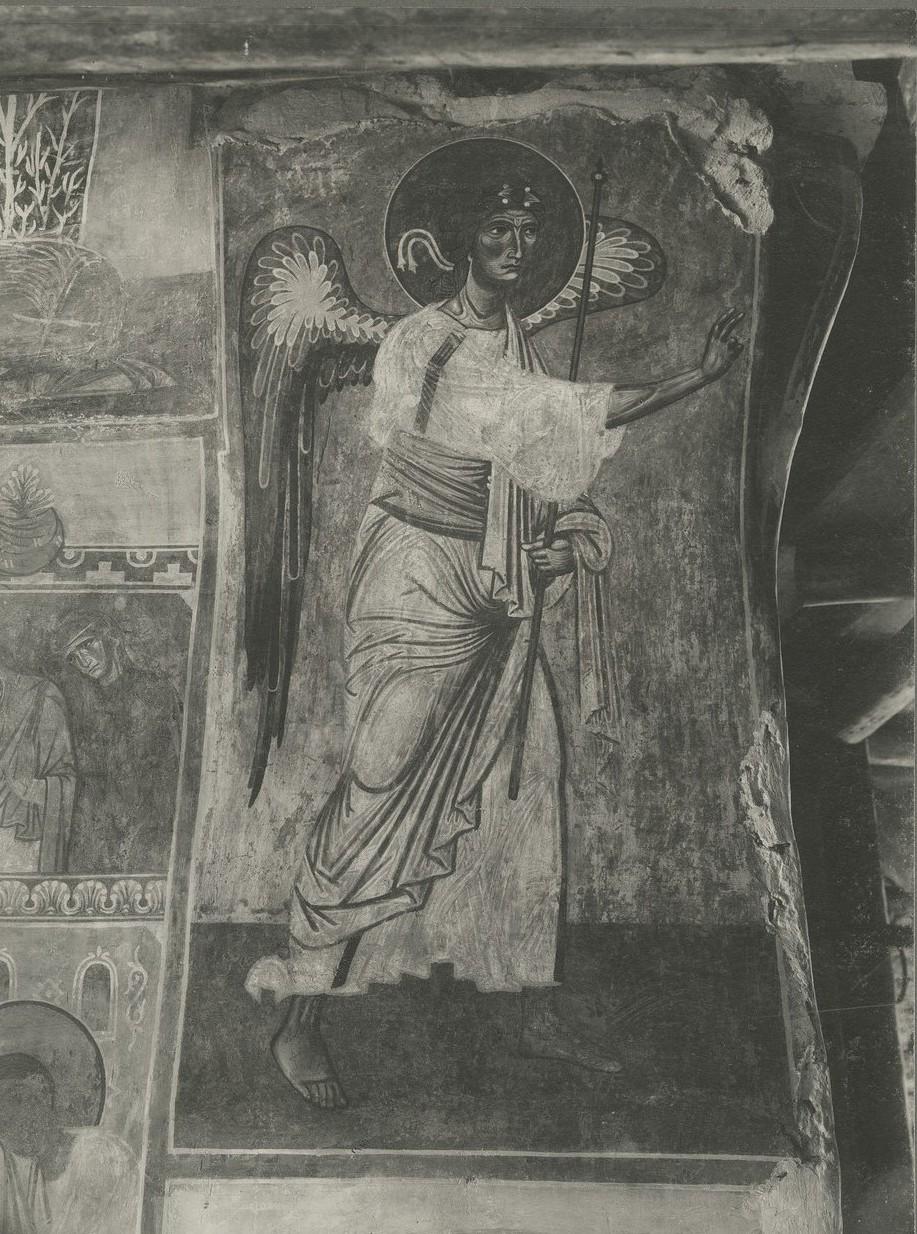 Фреска северной ветви подкупольного креста  Спасо-Преображенского собора Мирожского монастыря -  Архангел Гавриил из «Благовещения»