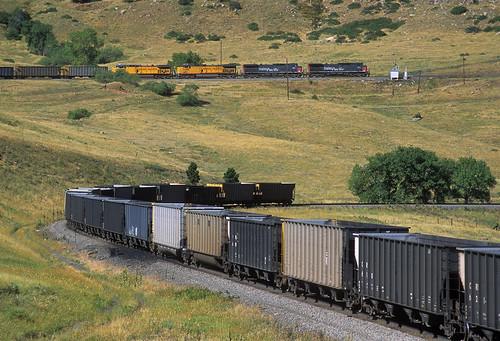 southernpacific sp unionpacific up coaltrain coalempty clay rocky colorado train locomotive railroad upmoffattunnelsub ge ac4400cw 314 big10curve hoppers co