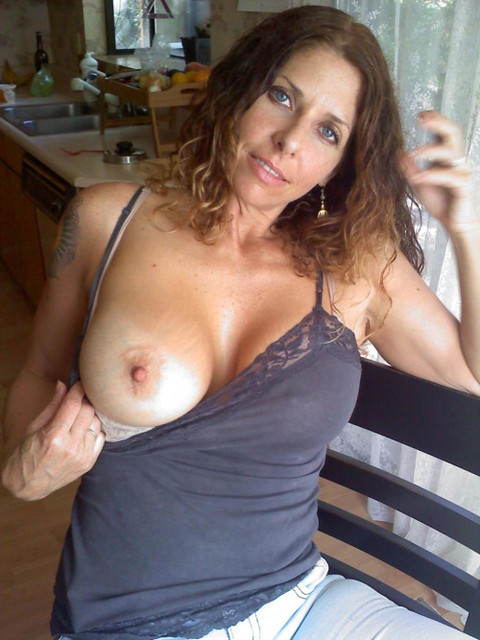 milf flashes one