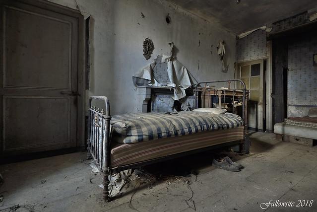 Viens partager mon lit.