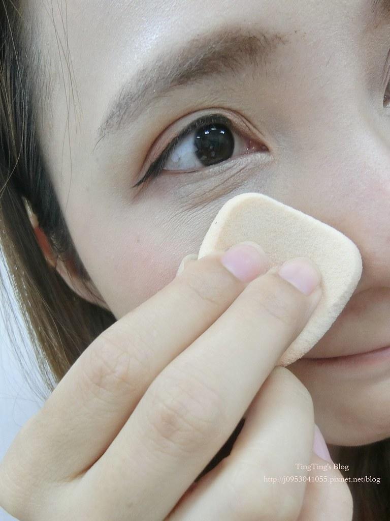 OFFRET D'OR光透裸肌粉餅UV10周年限定款 (3)