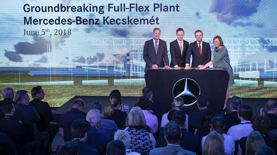 Mercedes Ungarija Full-Flex fabrika1