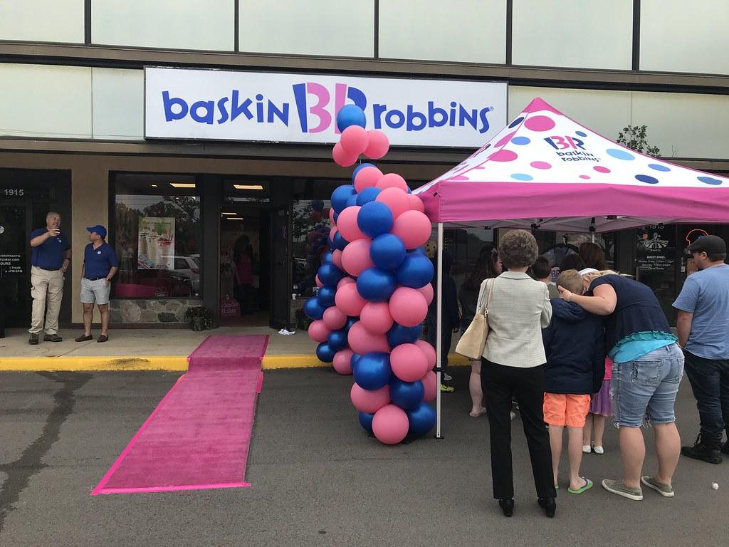 Baskin-Robbins Hosts Grand Opening in Okemos