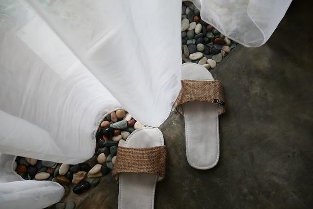 sandal dan batu