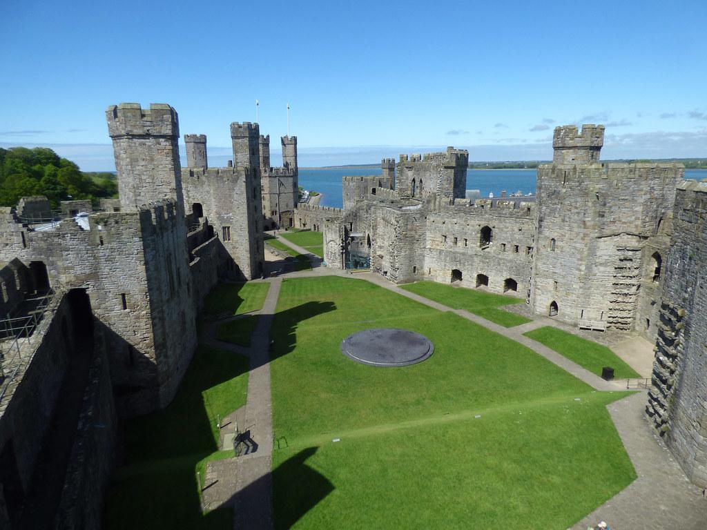 """Résultat de recherche d'images pour """"Caernarfon Castle wales"""""""