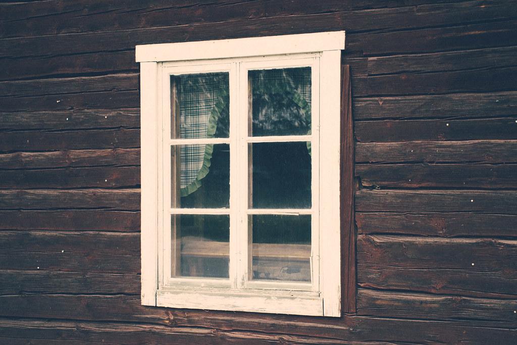 fönster stuga trä lappland lycksele rusksele