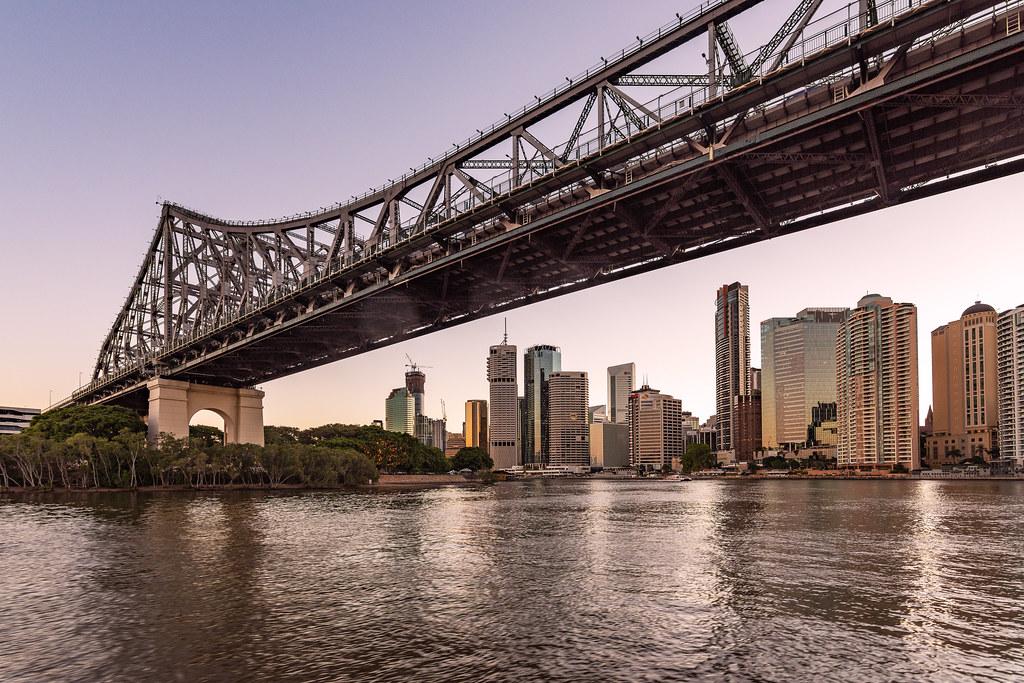 Майская Австралия. Брисбен. Брисбен, здесь, города, город, Австралии, практически, самом, центре, континента, Сейчас, Bridge, основном, почти, частью, недалеко, побережья, время, проходит, аэропорт, ближе