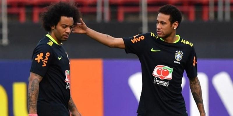 http://cafegoal.com/berita-bola-akurat/marcelo-bantu-real-madrid-untuk-goda-neymar-supaya-ke-bernabeu/