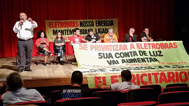 Union and movement leaders met last week to discuss strategies to protect Eletrobras - Créditos: Handout/CTB