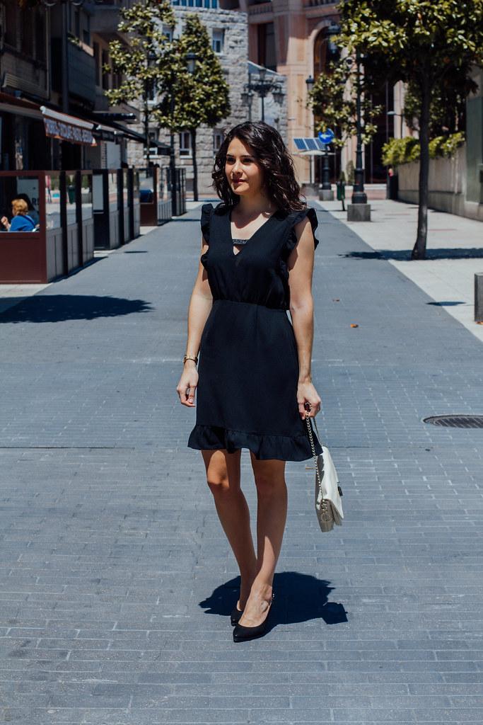 vest negro