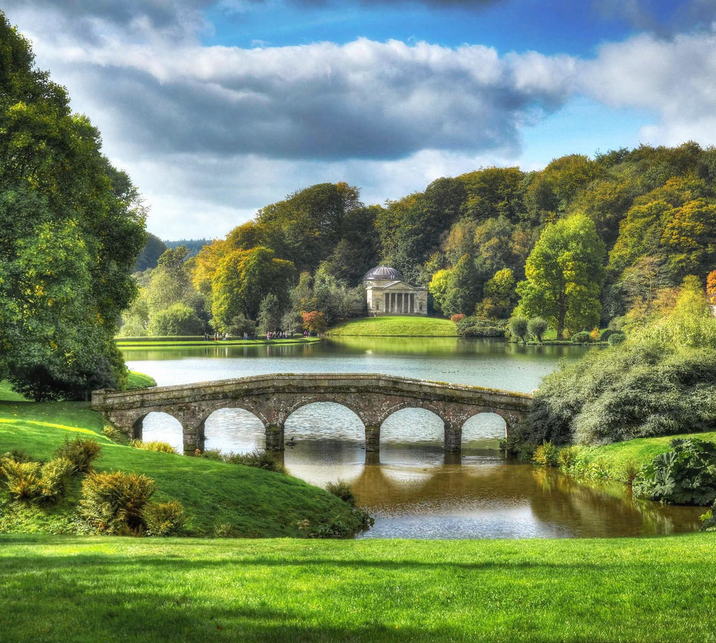 Stourhead Gardens, Wilstshire. Credit Baz Richardson, flickr