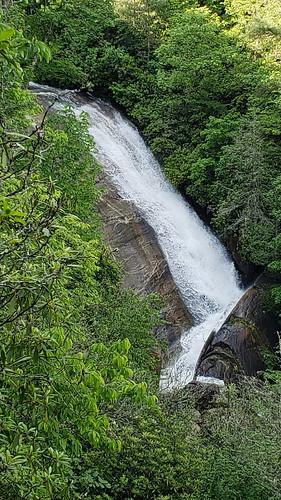 upperbearwallowfalls nationaltrailsday2018 gorgesstatepark waterfall northamerica blueridgeescarpment northcarolina unitedstatesofamerica transylvaniacounty usa nc