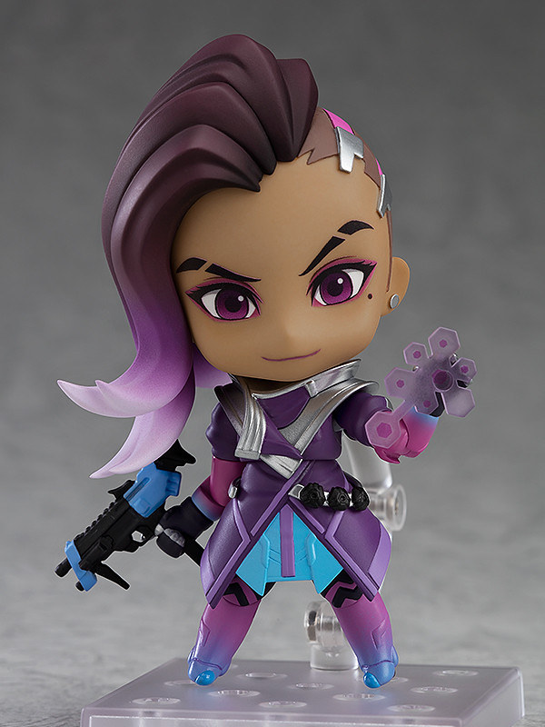 """Everything Can Be Hacked…and Everyone."" Nendoroid Sombra: Classic Skin Edition"