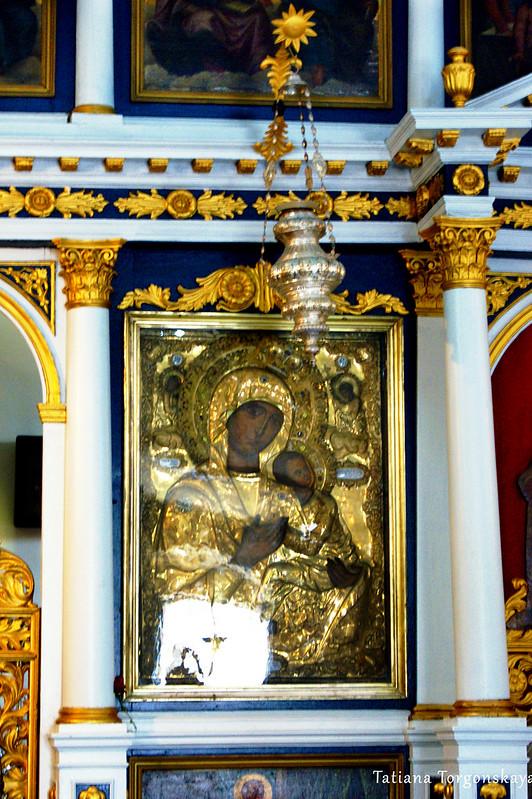 Богородица на иконостасе церкви Св. Спаса