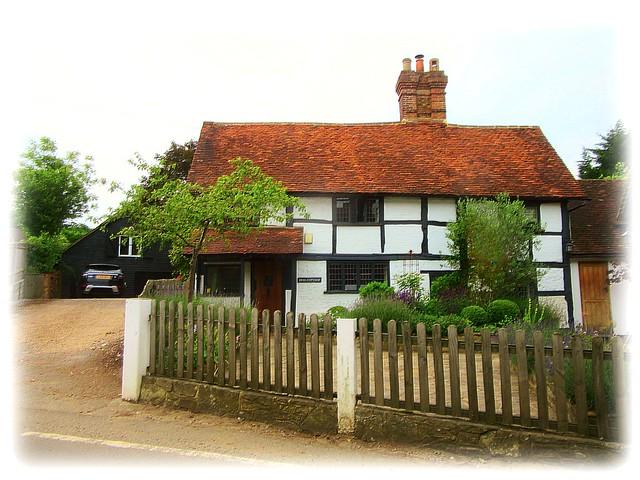 a little cottage in, Canon POWERSHOT SX600 HS