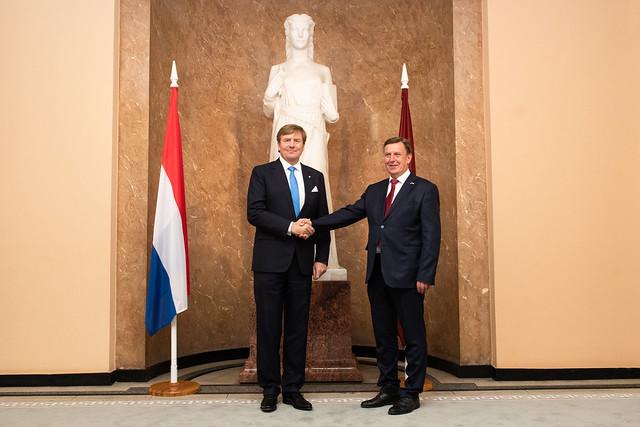 Ministru prezidents Māris Kučinskis tiekas ar Nīderlandes karali Vilemu Aleksandru (Willem-Alexander) un Nīderlandes delegāciju Ministru kabinetā.