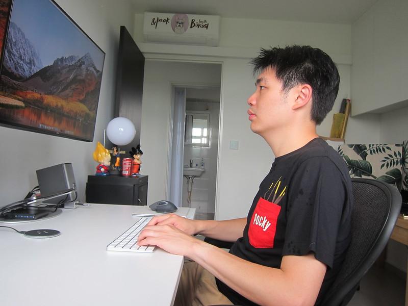 ErgoEdge AmpDesk Standing Desk - Sitting Posture