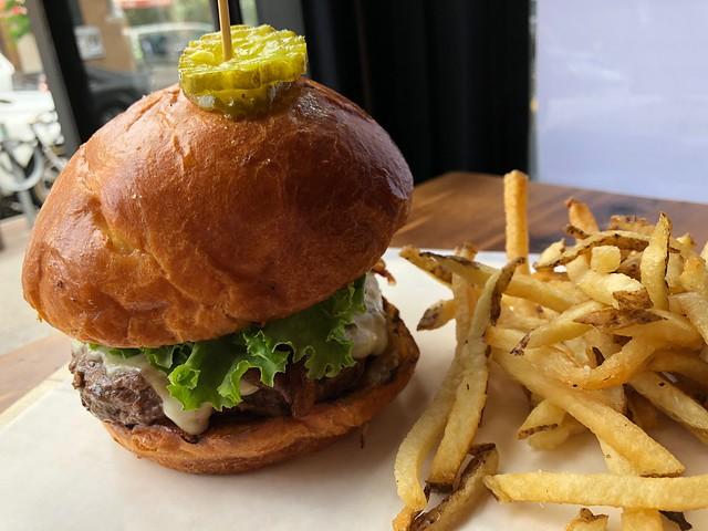 土, 2018-06-02 12:27 - Burger Lab