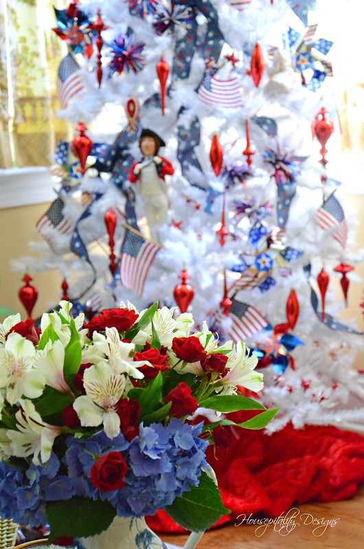 Patriotic Tree-Housepitality Designs-10