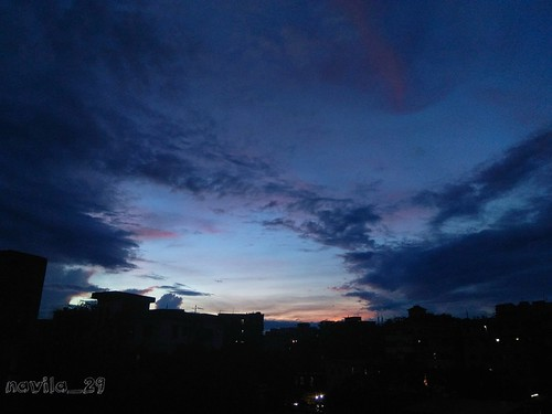 skylover shadesofsky skyphotography sky eveningsky eveningsun evening dusk urbanphotography urbansky urban dhaka dhakacity bangladesh amateurclick amateur amateurphotography sunset love amazing blue clouds cloud mobilephotography mobileclick skyscrapper nwn